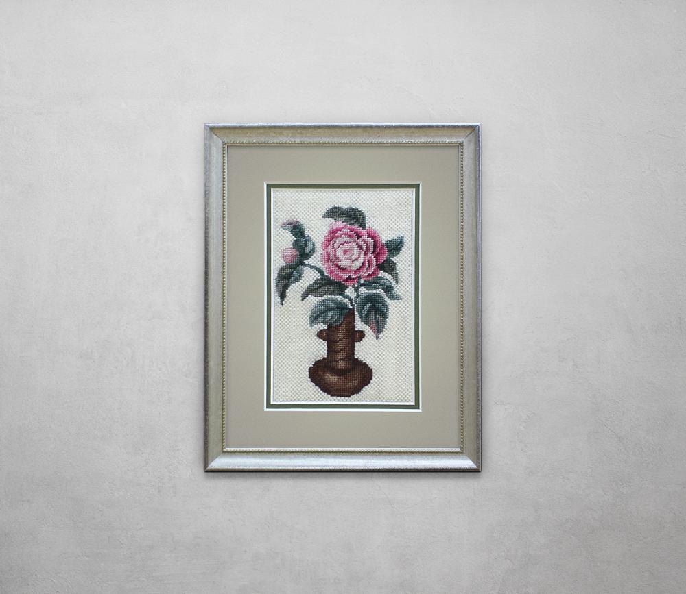 Flower cross stitch in silver frame